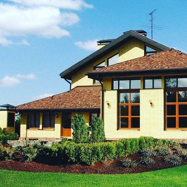 Загородный кирпичный дом построенный компанией ВИЛЛА
